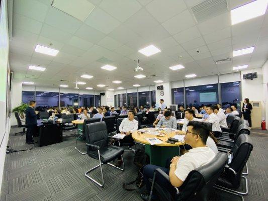 khóa học trường doanh nhân PTI